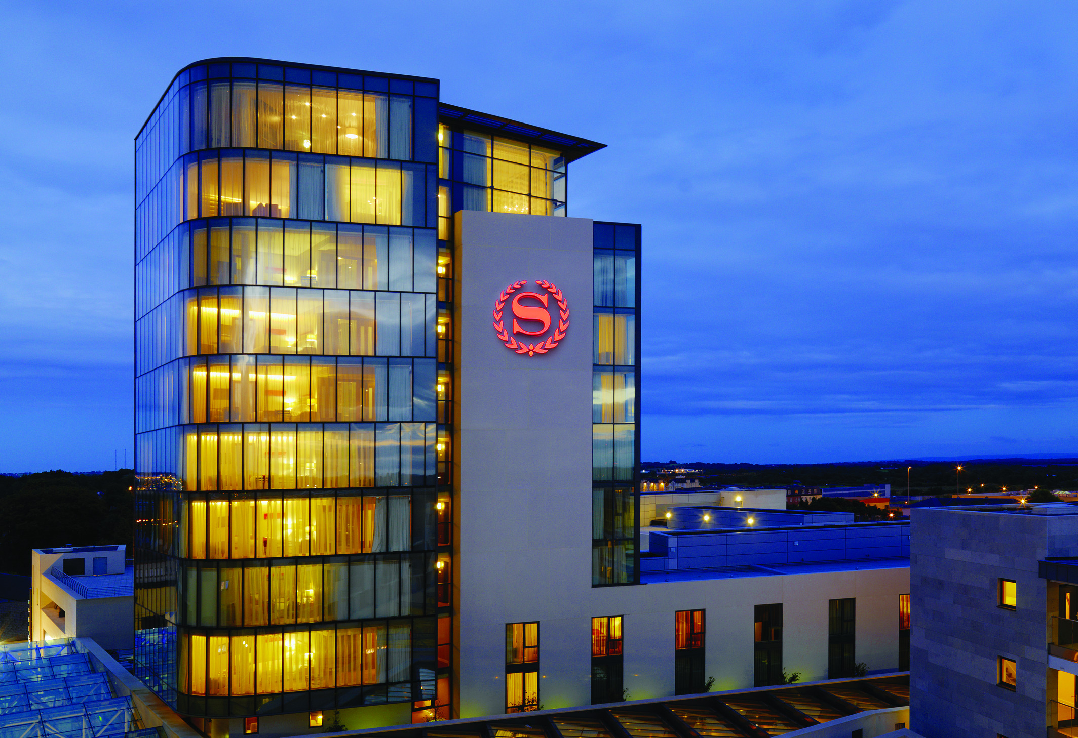 Things to do in County Westmeath, Ireland - Sheraton Athlone Hotel - Sheraton Athlone 12 Storey Tower - YourDaysOut - Photo 6