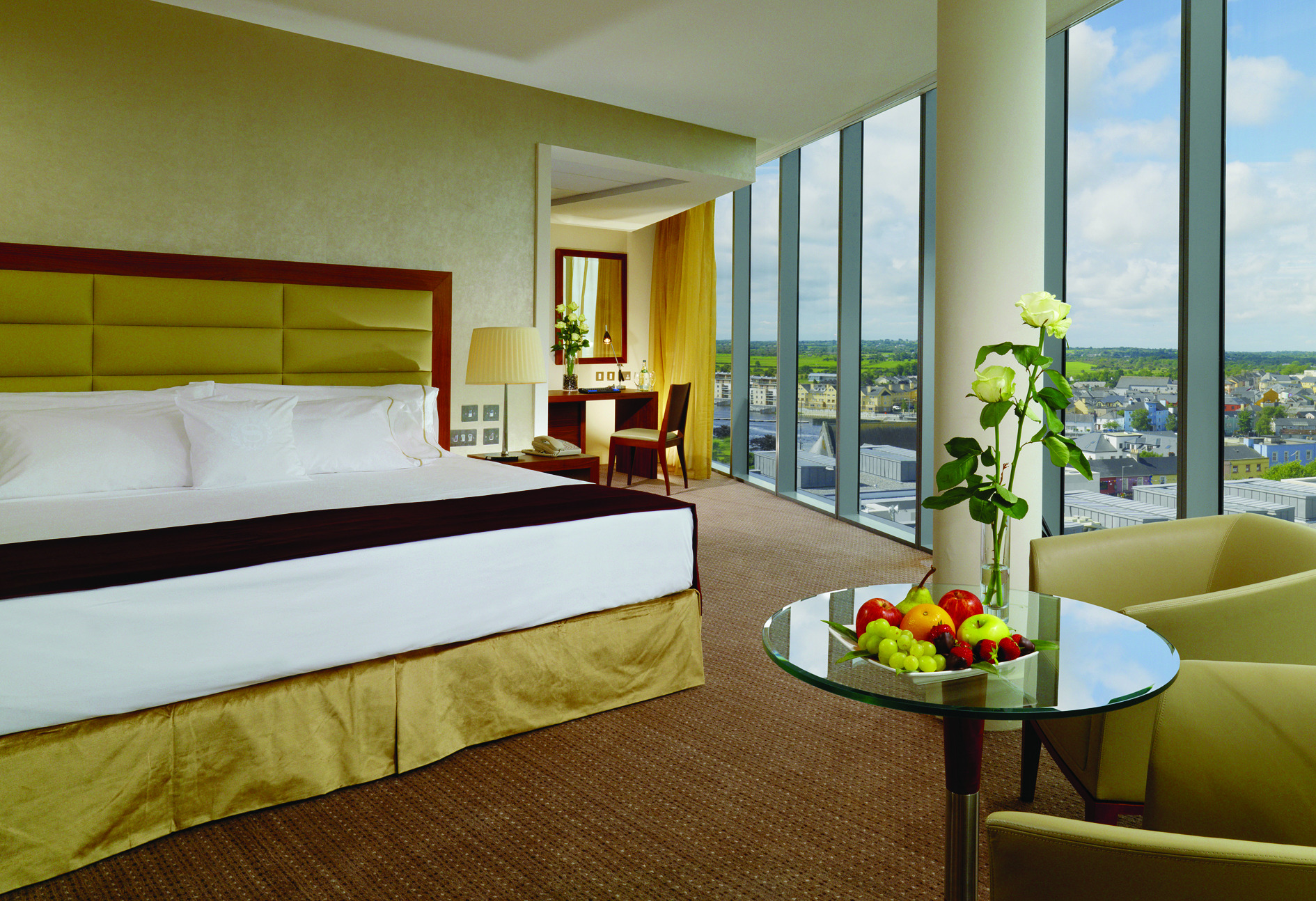 Things to do in County Westmeath, Ireland - Sheraton Athlone Hotel - Deluxe Tower Room at Sheraton - YourDaysOut - Photo 5