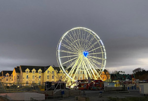 Curry's Giant Wheel has a 'Heart Of Hope' that shines for miles around Salthill - YourDaysOut